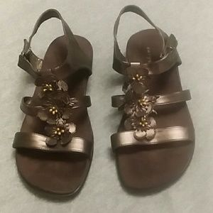 Easy Spirit Brown Hopscotchs Sandals Size 5 1/2